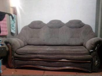 ПРИМУ В ДАР СПАСИБО - диван.jpg